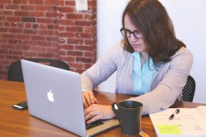 5 strategies to persuade in your business reports by Tracie Marquardt